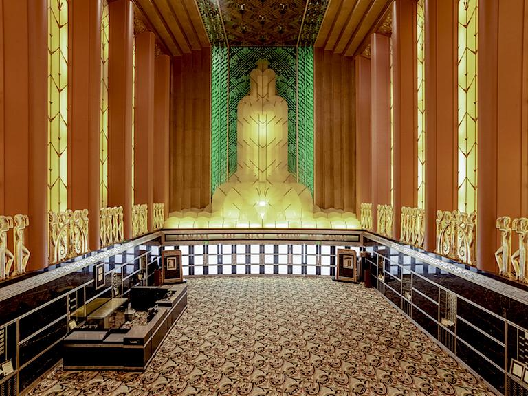 Paramount-Theatre-Lobby-Oakland